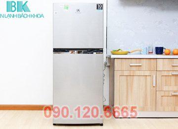 Sản phẩm tủ lạnh Electrolux hiện đang được rất nhiều gia đình sử dụng, bới kiểu dáng đẹp và bên trong rộng rãi. Nhưng sau khoảng một thời gian sử dụng tủ lạnh Electrolux không tránh khỏi gặp phải các lỗi hỏng hóc ngoài ý muốn. Nếu như không kịp thời sửa tủ lanh Electrolux có thể dẫn tới những hỏng hóc nặng hơn.