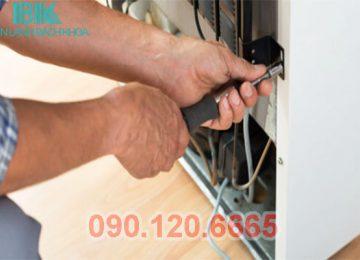 Tủ lạnh Hitachi là chiếc tủ lạnh được nhiều gia đình tại Việt Nam sử dụng cho nhu cầu bảo quản thực phẩm tại nhà. Nhưng trong quá trình sử dụng thì không tránh khỏi chiếc tủ lạnh của nhà bạn gặp phải những lỗi hỏng hóc không mong muốn. Lúc này bạn cần một trung tâm sửa tủ lạnh Hitachi tại Hà Nội uy tín, chất lượng để khắc phục tình trạng hỏng hóc của chiếc tủ lạnh nhà mình.