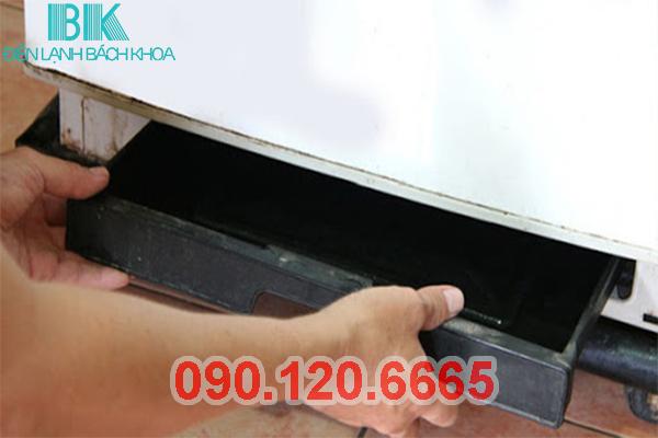 Tủ Lạnh Hitachi Bị Chảy Nước 2
