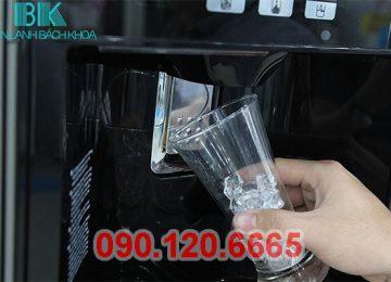 Trong quá trình sử dụng tủ lạnh Hitachi thường gắp phải lỗi tủ lạnh Hitachi không xả đá, không tự động rơi đá. Nguyên nhân do đâu và cách khắc phục như thế nào thì các bạn cùng tìm hiểu những thông tin dưới đây nhé.